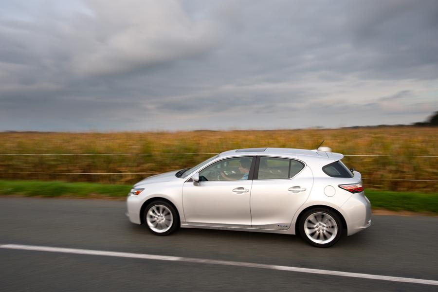 Car Dealerships In Ct >> 2013 Lexus CT 200h Overview | Cars.com
