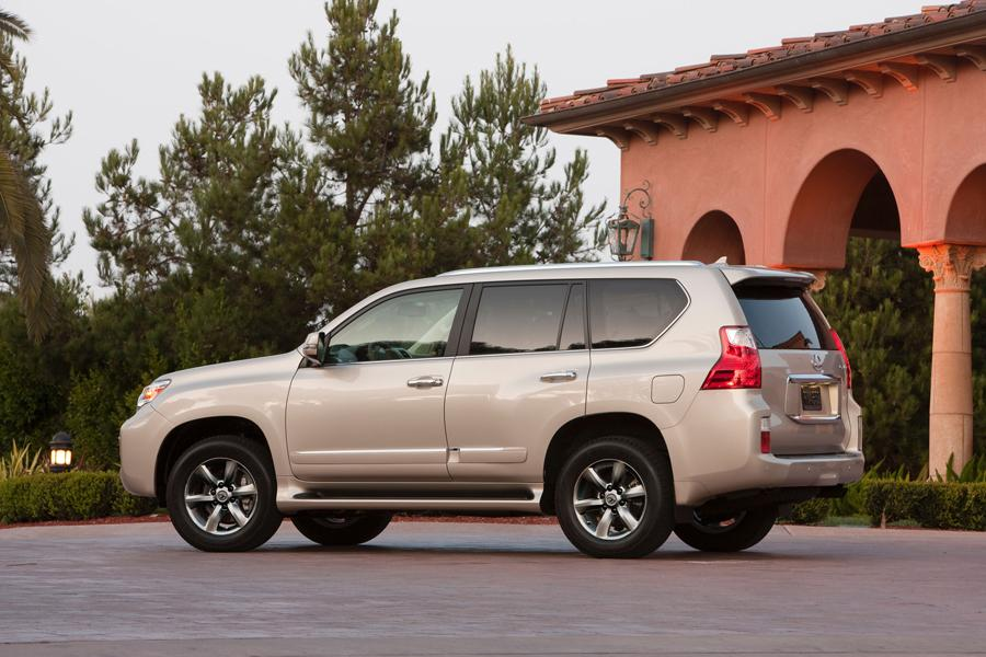 2013 lexus gx 460 overview. Black Bedroom Furniture Sets. Home Design Ideas