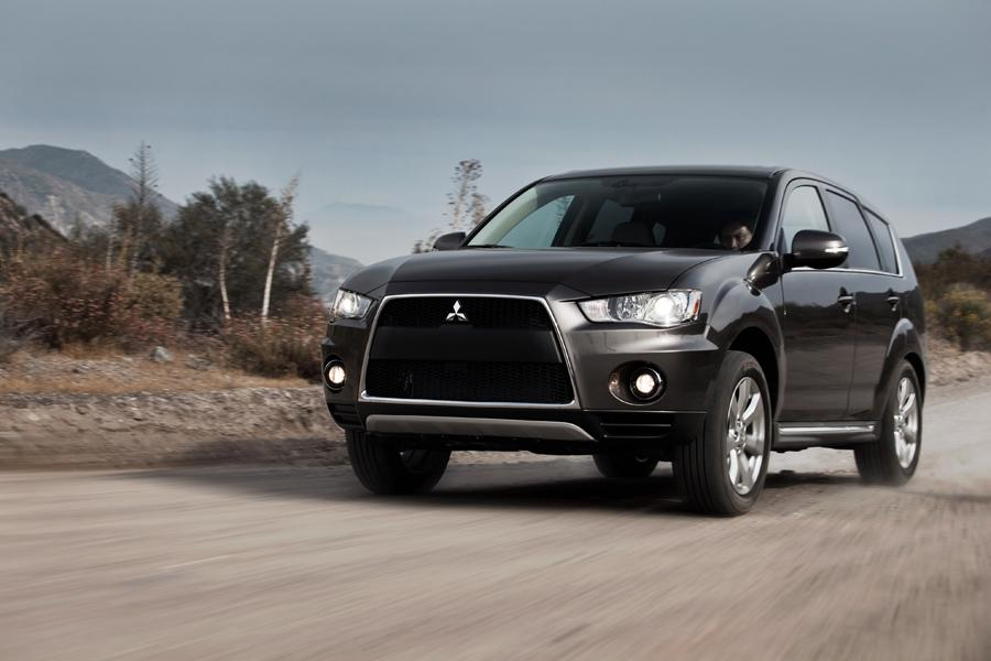 2013 Mitsubishi Outlander Photo 1 of 12