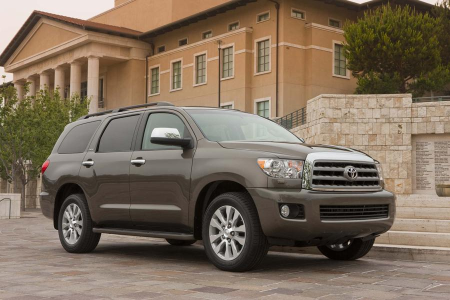 2013 Toyota Sequoia Photo 2 of 12