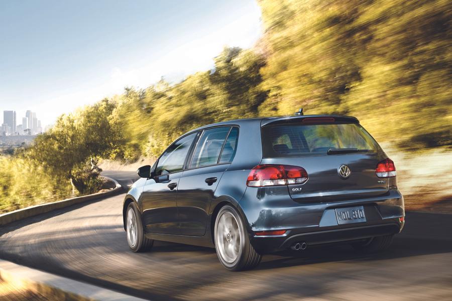 2013 Volkswagen Golf Photo 2 of 3