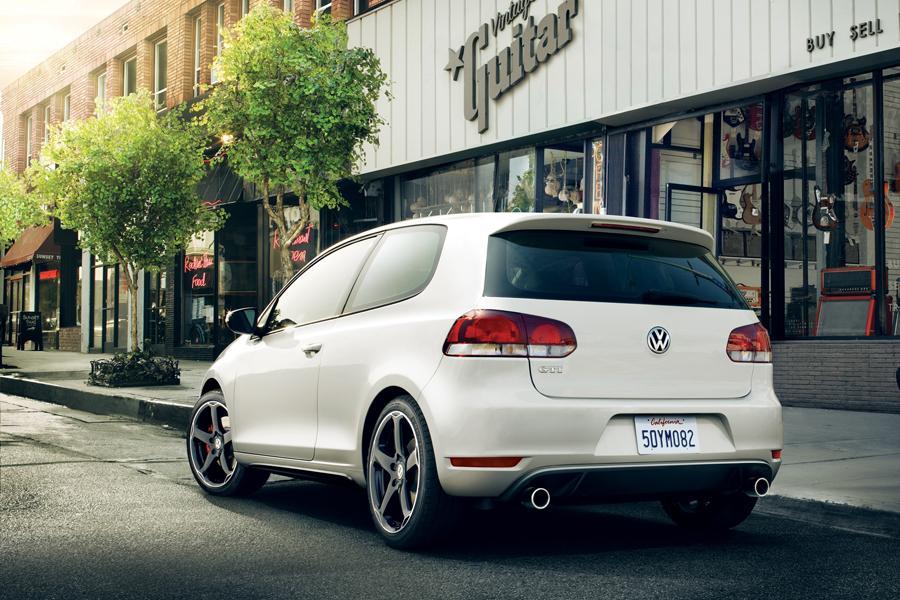 2013 Volkswagen GTI Photo 2 of 6