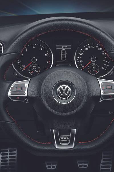 2013 Volkswagen GTI Photo 4 of 6