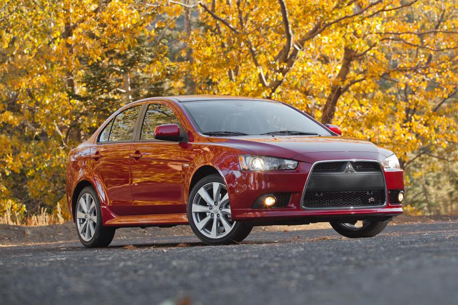 2013 Mitsubishi Lancer Photo 1 of 9