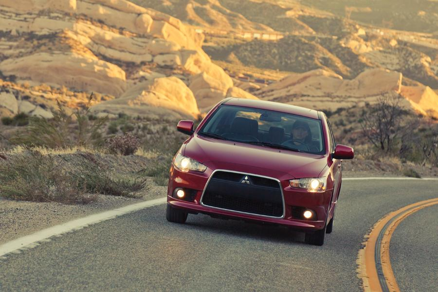 2013 Mitsubishi Lancer Photo 2 of 9