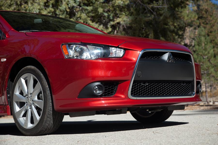 2013 Mitsubishi Lancer Photo 5 of 9