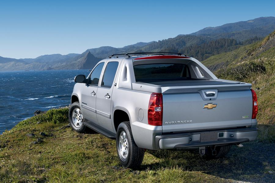 Chevrolet Avalanche Truck Models, Price, Specs, Reviews ...