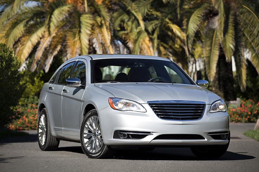 2013 Chrysler 200 Photo 4 of 69