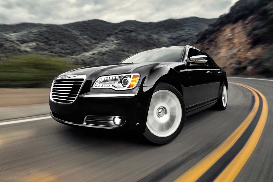 2013 Chrysler 300 Photo 3 of 35