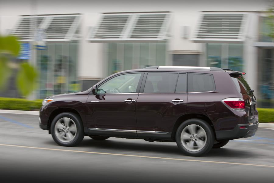 2013 Toyota Highlander Photo 3 of 11