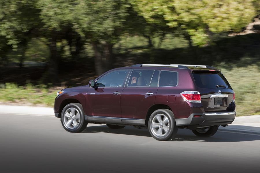 2013 Toyota Highlander Photo 4 of 11