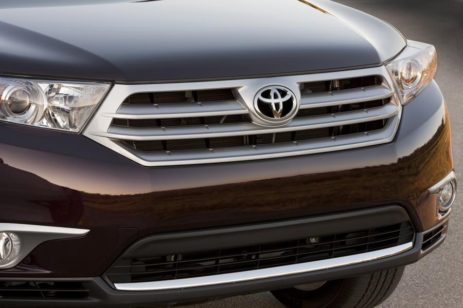 2013 Toyota Highlander Photo 6 of 11