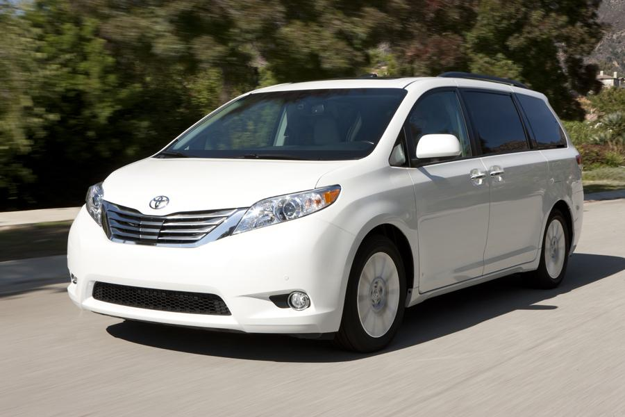 2013 Toyota Sienna Photo 1 of 25