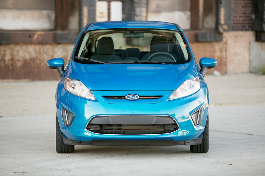 2012 Ford Fiesta Photo 2 of 20