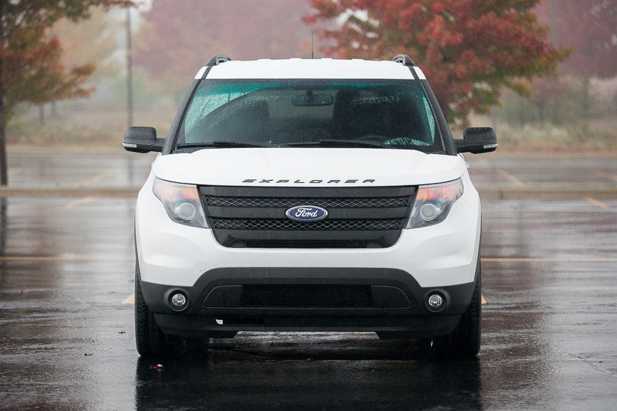 2013 Ford Explorer Photo 2 of 20