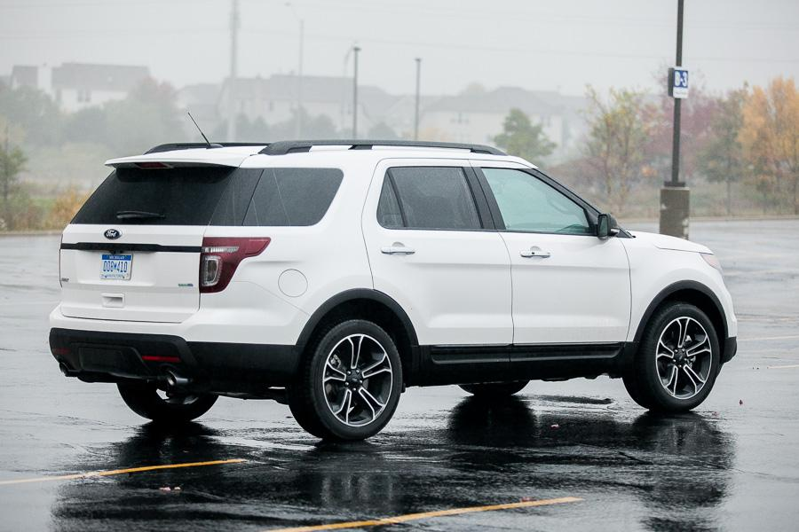 2013 Ford Explorer Photo 3 of 20