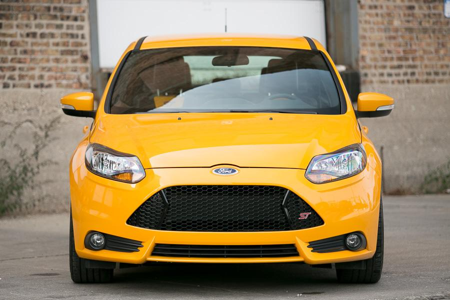 2013 Ford Focus ST Photo 2 of 21