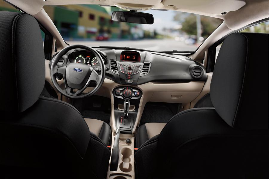 2013 Ford Fiesta Photo 6 of 10