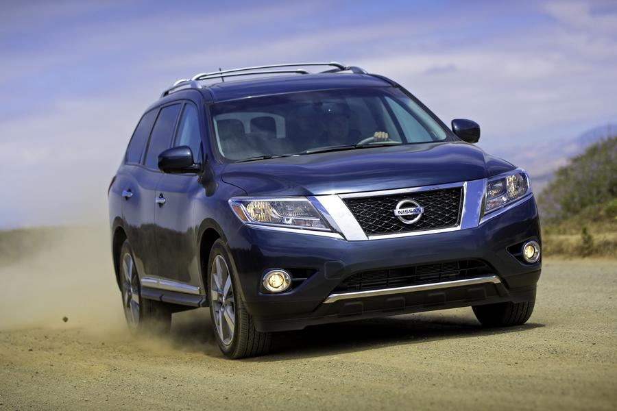 2013 Nissan Pathfinder Photo 3 of 38