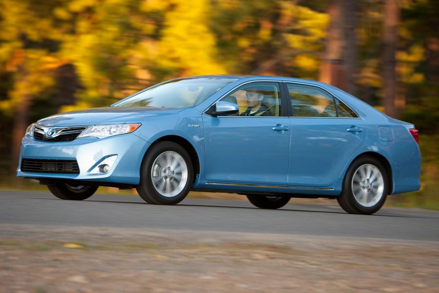 2013 Toyota Camry Hybrid Photo 2 of 10