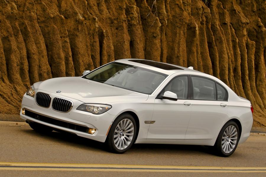 2012 bmw 750 reviews specs and prices. Black Bedroom Furniture Sets. Home Design Ideas