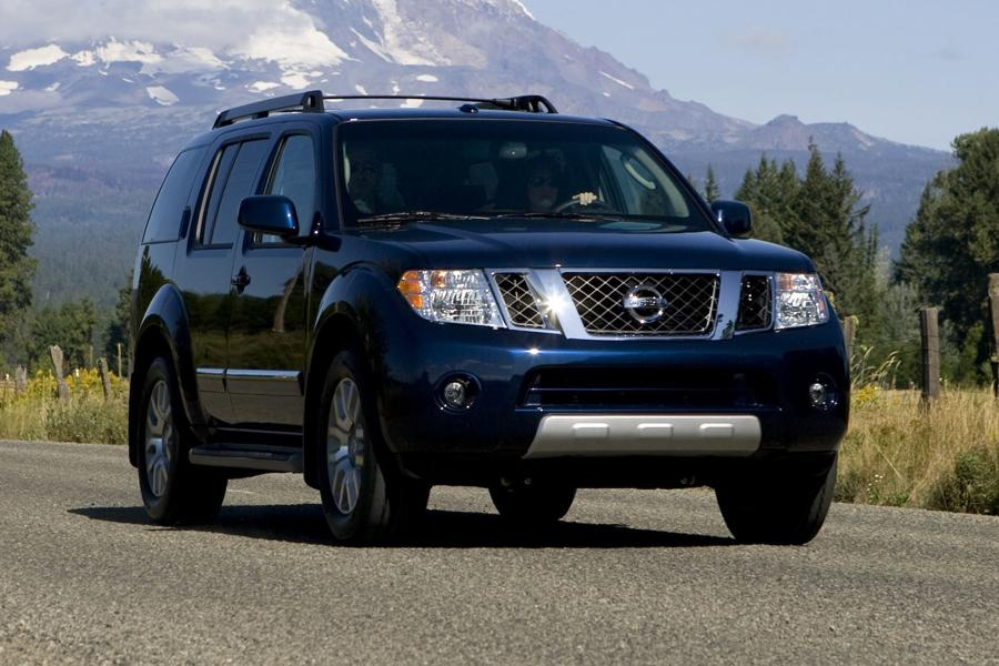 2012 Nissan Pathfinder Photo 1 of 9