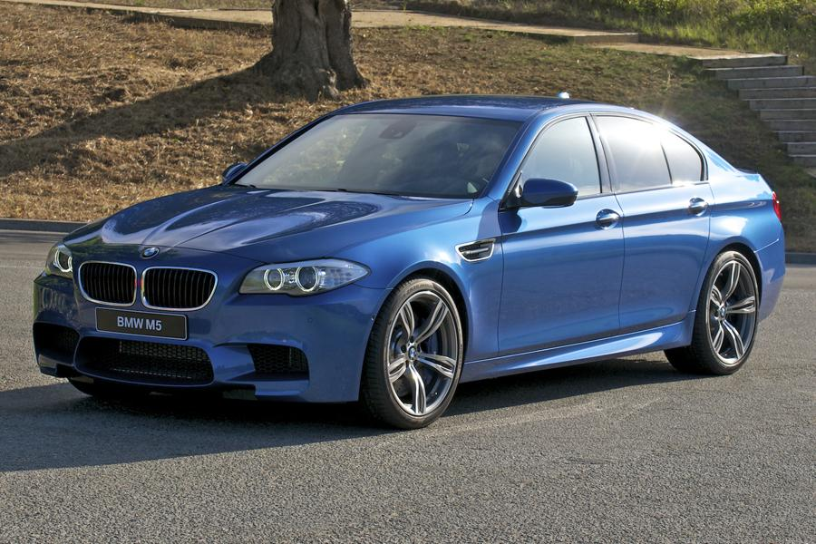 2013 BMW M5 Photo 2 of 37