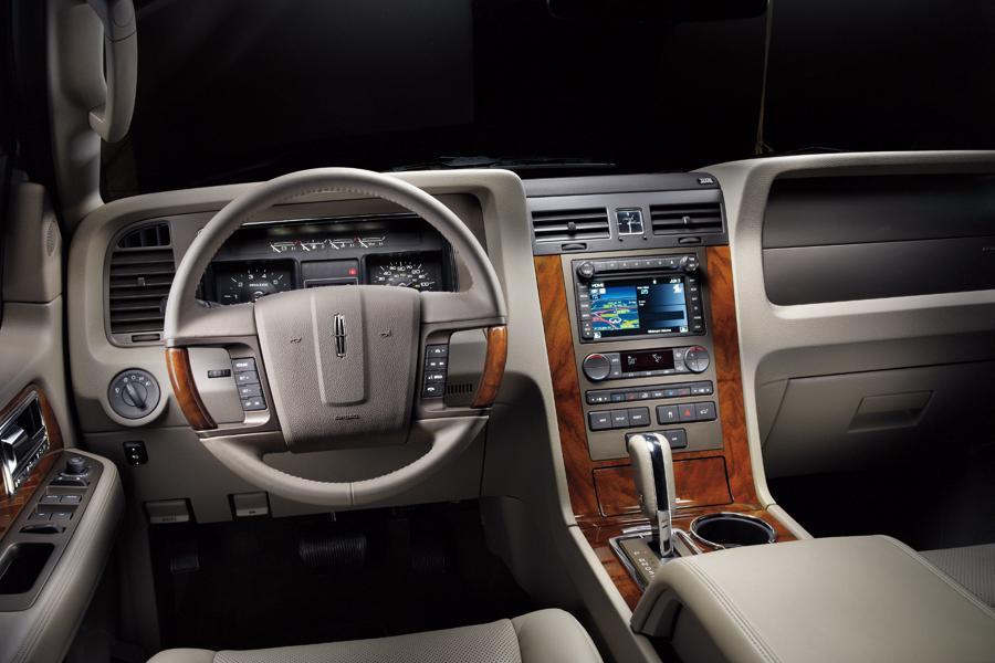 2012 Lincoln Navigator Photo 5 of 7