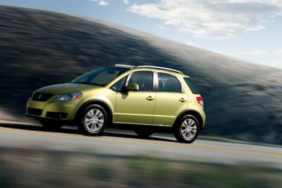 2012 Suzuki SX4 Photo 2 of 13