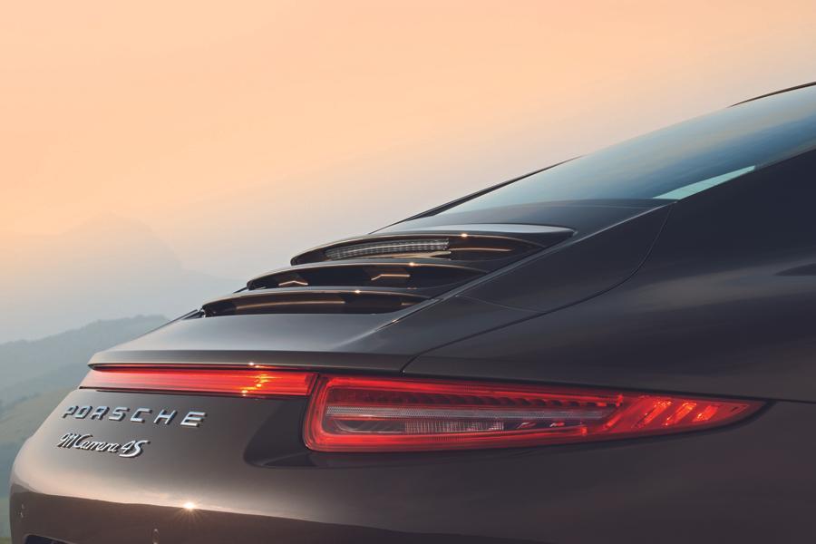 2013 Porsche 911 Photo 3 of 16