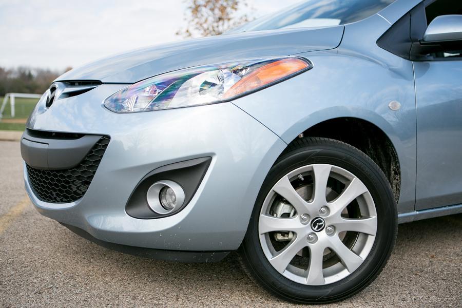 2013 Mazda Mazda2 Photo 4 of 20
