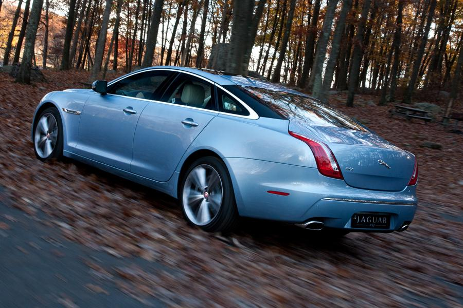 2013 Jaguar XJ Photo 3 of 12