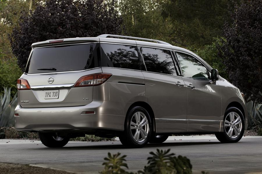 2013 Nissan Quest Photo 2 of 16