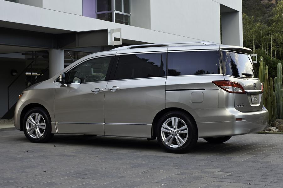2013 Nissan Quest Photo 3 of 16