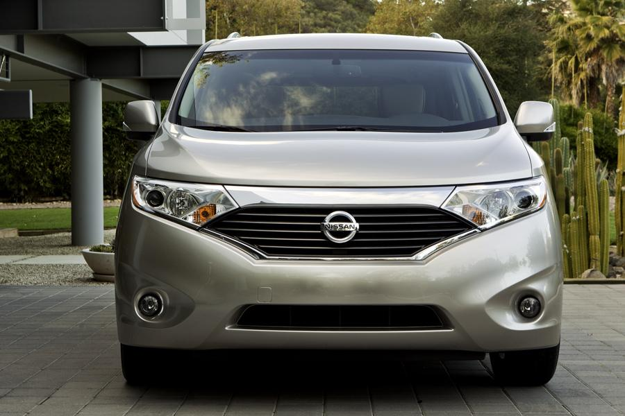2013 Nissan Quest Photo 5 of 16