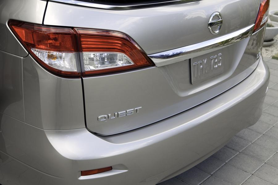 2013 Nissan Quest Photo 6 of 16