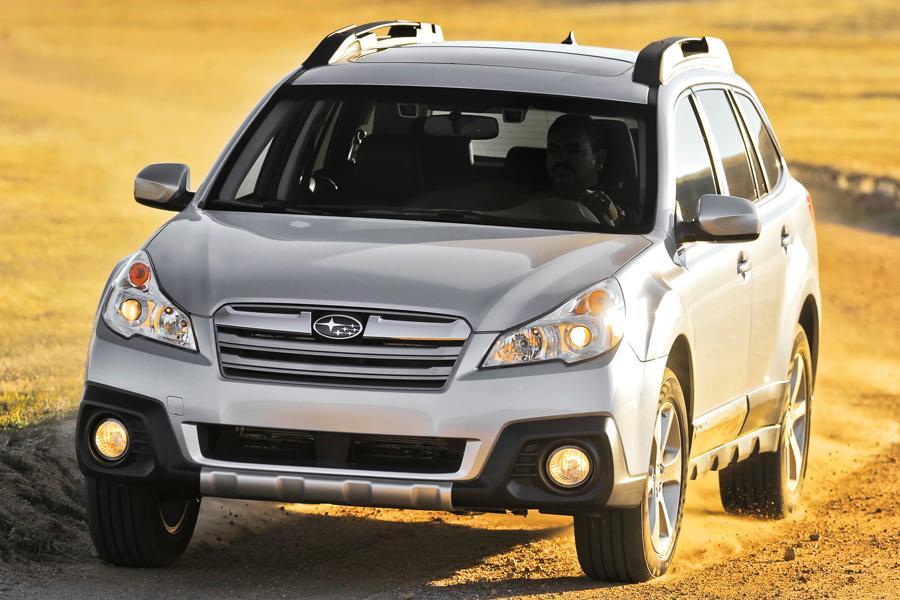 2013 Subaru Outback Photo 3 of 10