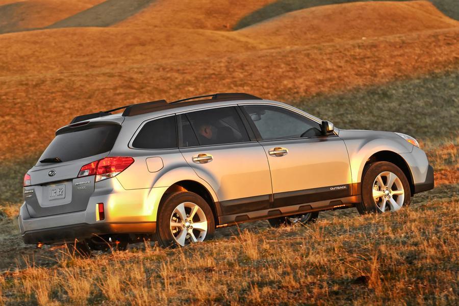 2013 Subaru Outback Photo 5 of 10