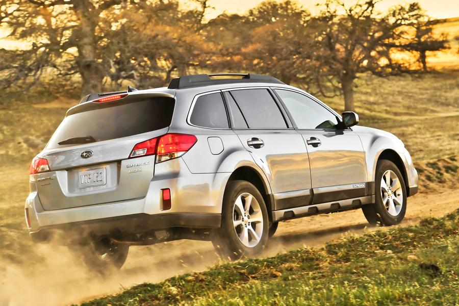 Subaru Oil Consumption >> 2013 Subaru Outback Overview | Cars.com