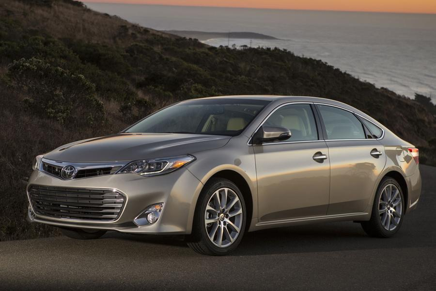 2013 Toyota Avalon Overview Cars Com