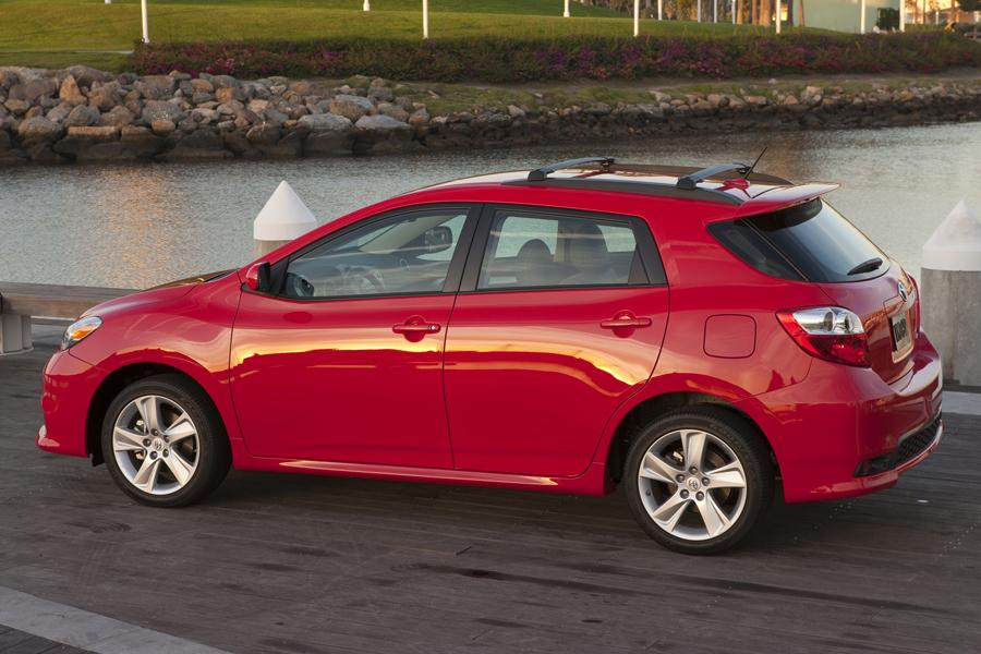2013 Toyota Matrix Photo 2 of 20