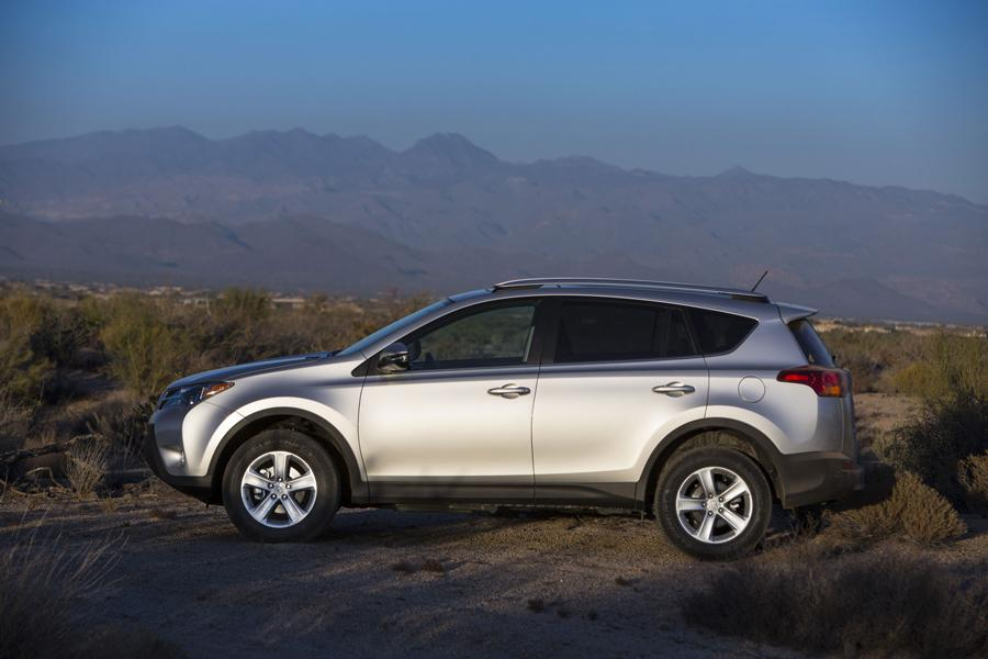 2013 toyota rav4 reviews specs and prices. Black Bedroom Furniture Sets. Home Design Ideas