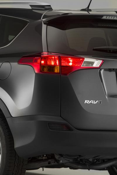 2013 Toyota RAV4 Photo 5 of 18