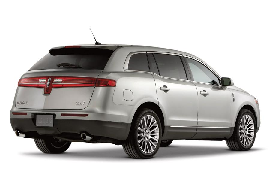 2012 Lincoln MKT Photo 2 of 18