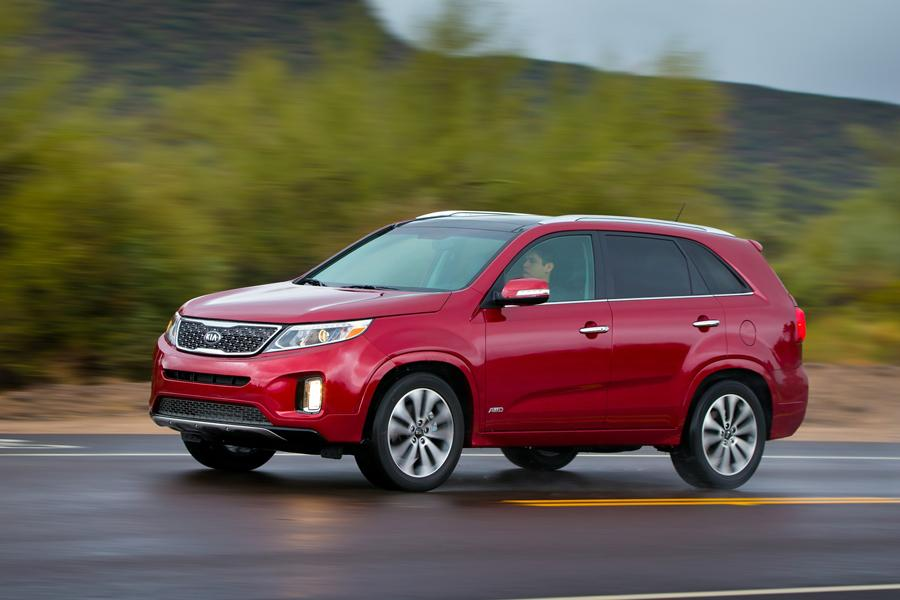 2014 Kia Sorento Photo 2 of 46