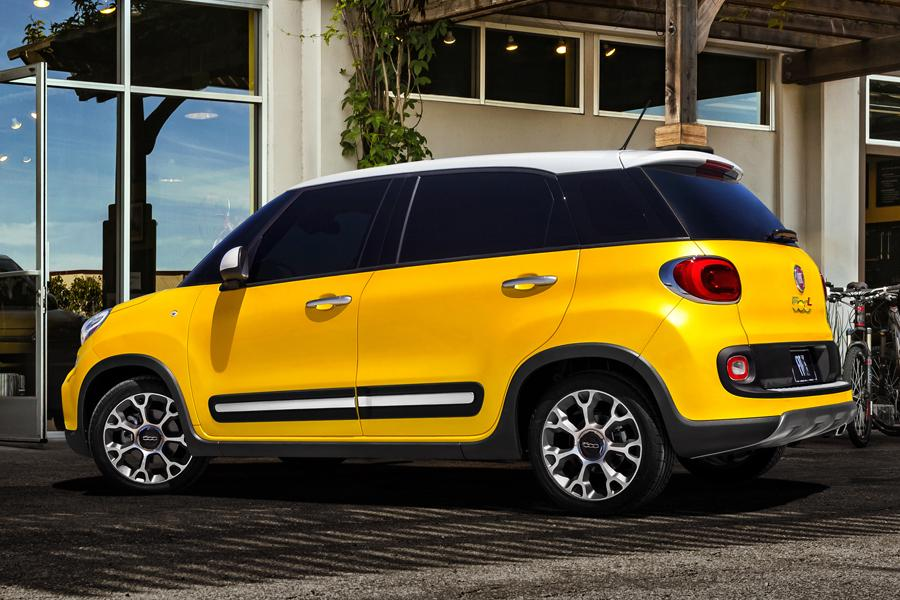 2014 fiat 500l reviews specs and prices. Black Bedroom Furniture Sets. Home Design Ideas