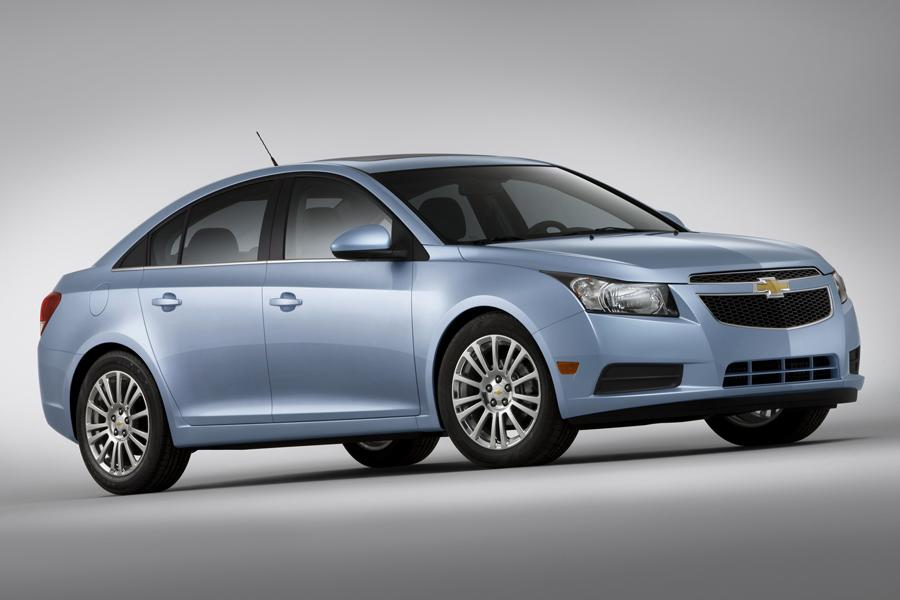 2014 Chevrolet Cruze Photo 2 of 39
