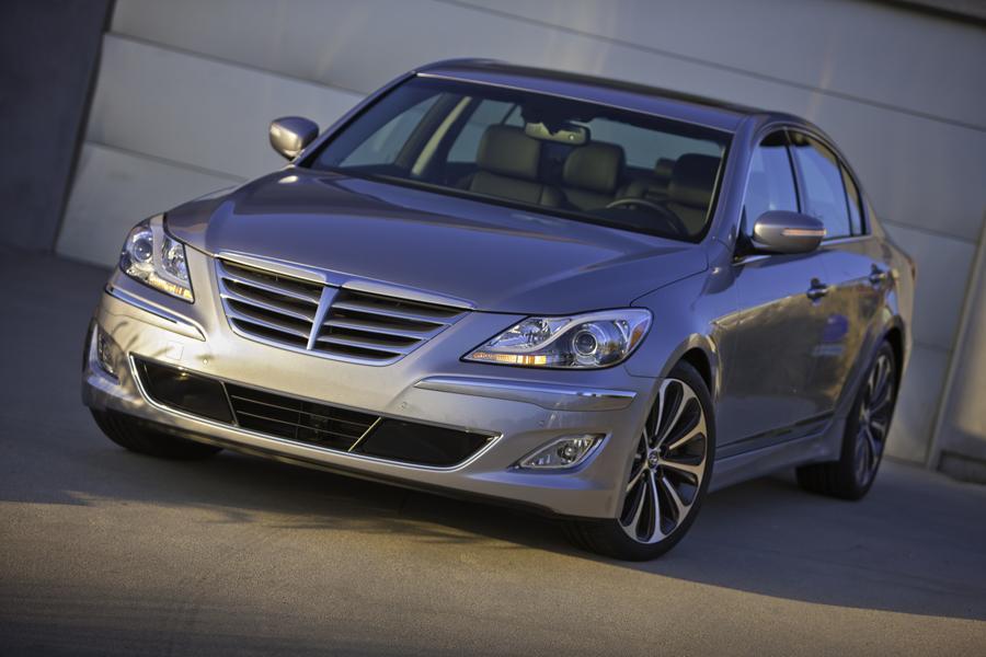 2013 Hyundai Genesis Photo 5 of 13