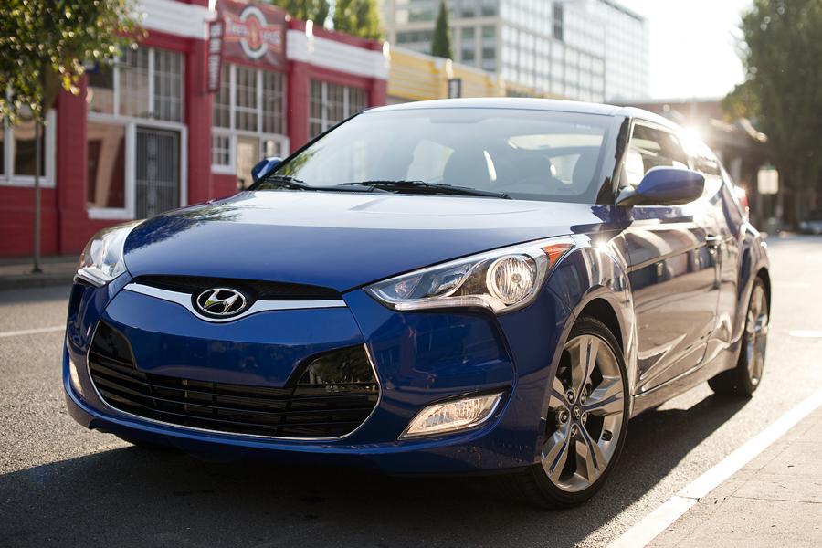 2013 Hyundai Veloster Photo 5 of 18