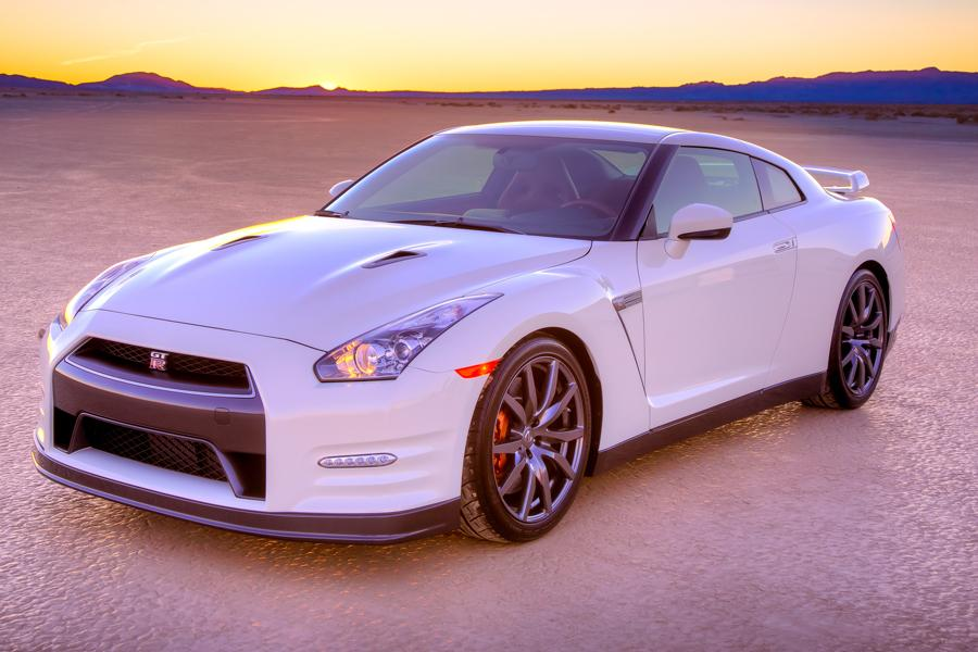 2014 Nissan GT-R Photo 1 of 20